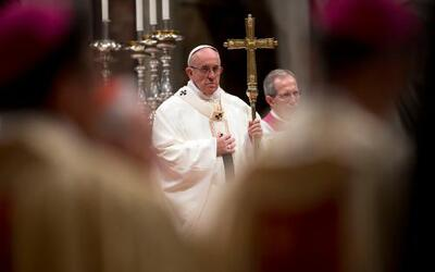 El papa Francisco celebra la misa en la Basílica de San Pedro en el Vati...