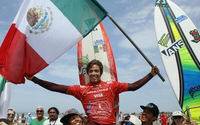 Jhony Corzo es el primer campeón mundial mexicano de surf