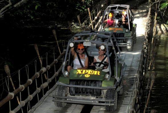 Carlos llevó a la bella Ana Brenda a una aventura en la Riviera Maya, do...