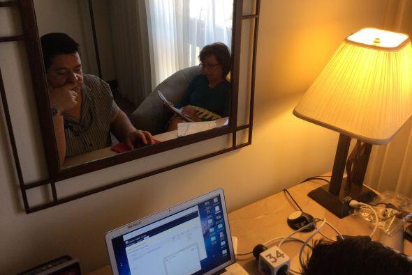 Conversando con los salvadoreños la noche antes de  los comicios elector...