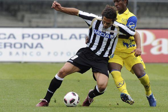 Udinese se paró en casa del Chievo y los venció 2-0.