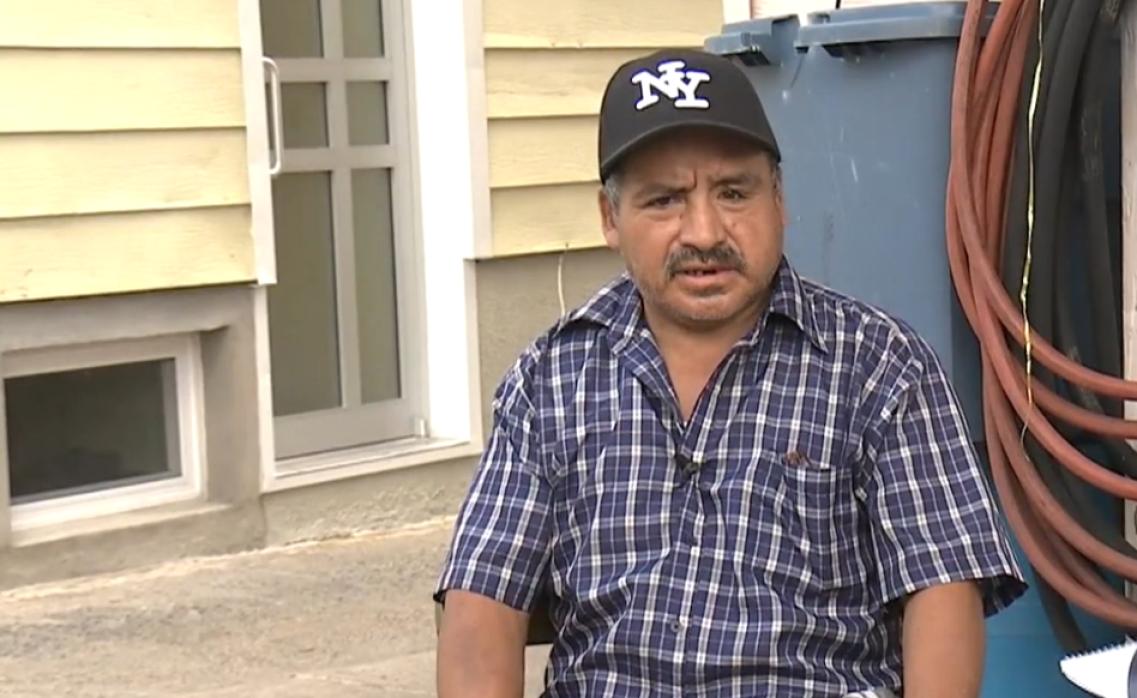 Entre la espada y la pared un abuelo ecuatoriano víctima del crimen en Q...