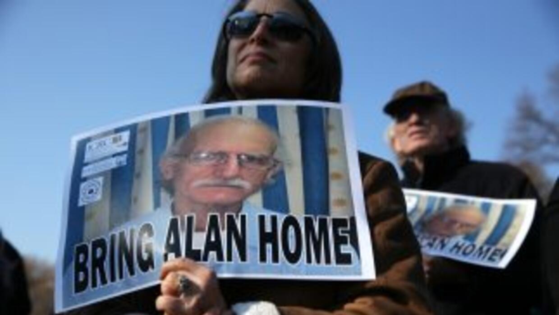 La esposa de Alan Gross pidió frente a la Casa Blanca que el presidente...
