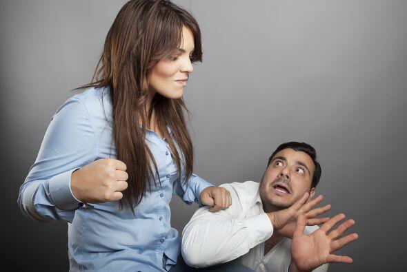 Esta es su manera de causar la impresión de no haber dado su brazo a tor...