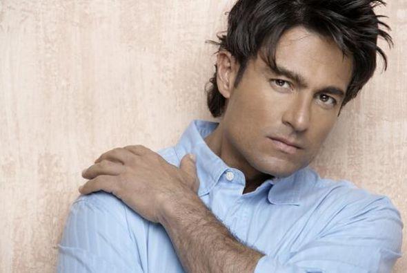 Fernando Colunga Olivares nació el 3 de marzo de 1966 en la Ciudad de Mé...