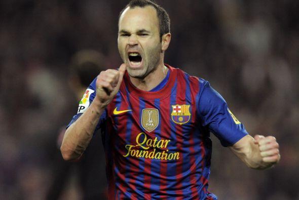 Iniesta jugó sin Xavi pero tuvo a su lado a Thiago Alcántara.