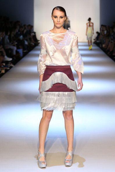 Los flecos en telas distintas al cuero permitirán que chicas de e...