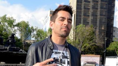 Omar Chaparro presentó el video de su nuevo sencillo.