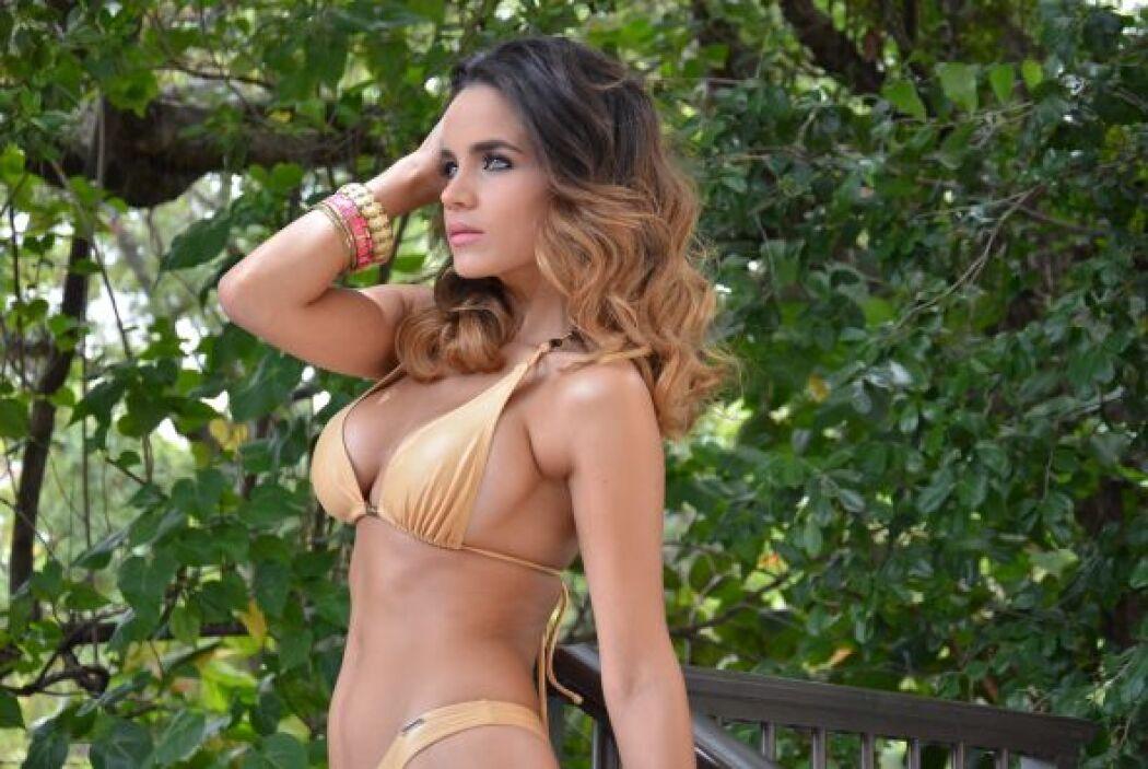 El sol de la bandera argentina quiere brillar para esta guapa mujer, que...