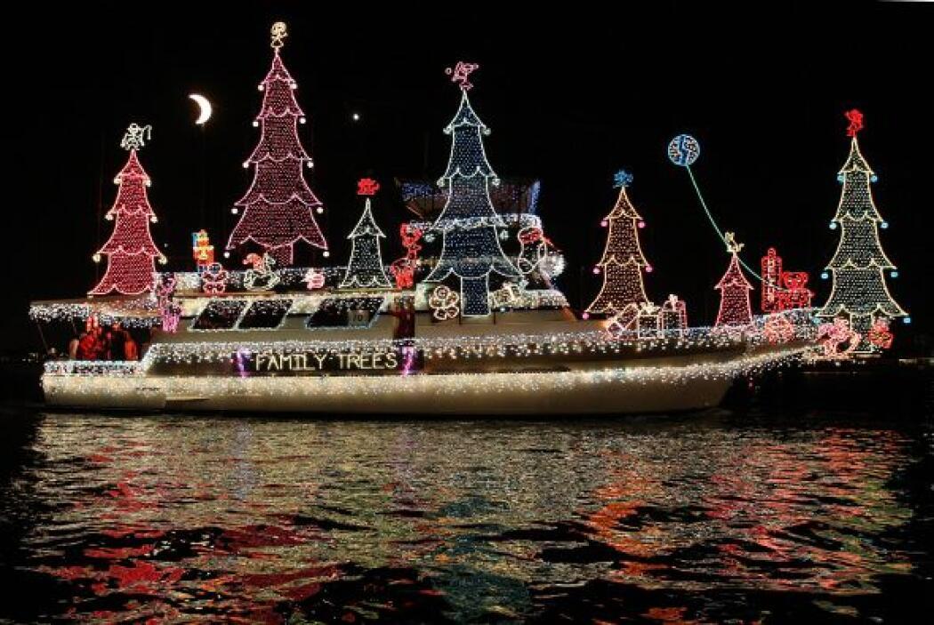 ¡Wow! Este bote seguramente se robó la atención de todos. Este paisaje e...