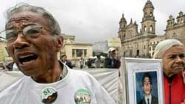 A medianoche empieza en Colombia maratón por un millón de mensajes a reh...