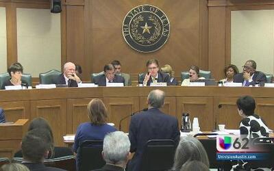 Comité de educación de Texas se reúne para tratar temas educativos