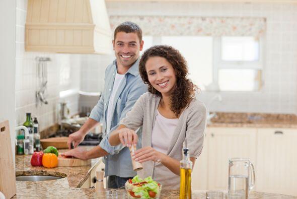 Además, metas cómo comer más sano, serán menos pesadas si en casa todos...