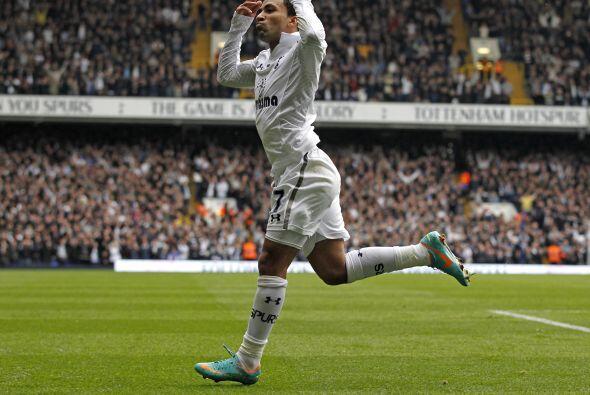 Steven Caulker había adelantado al Tottenham, pero faltaría el gol de Aa...