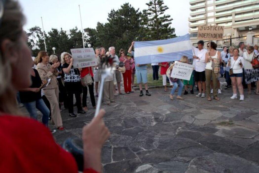 Antes, en Argentina, los cacerolazos fueron el símbolo de las protestas...