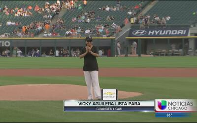 Gran lanzamiento de Vicky Aguilera en juego de los White Sox