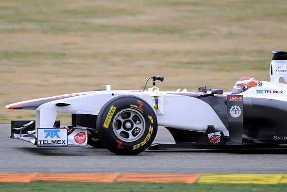 Después de la presentación oficial, los pilotos salieron a la pista para...