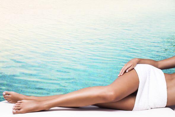 Lograr que ese efecto suave y liso del afeitado en tus piernas dure m&aa...