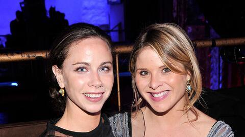 Jenna y Barbara Bush, de 35 años, animan a las hijas de los Obama...