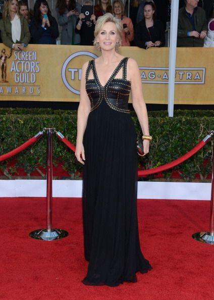 Otra que no escatimó en estilo en los SAG 2013 fue Jane Lynch con...