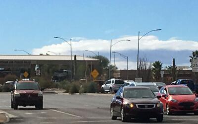 La Base Aérea Davis-Monthan en Tucson está cerrada por pos...