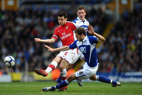 El Arsenal no pudo con el Birmingham y se conformó con un empate...