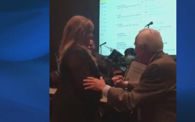 Mónica Navarro recibe el premio 'Alegre Award'