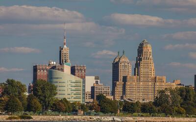 Buffalo, al norte del estado de Nueva York, es la ciudad más aseq...
