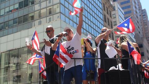 El orgullo boricua se hizo sentir en la quinta avenida en el Desfile Pue...