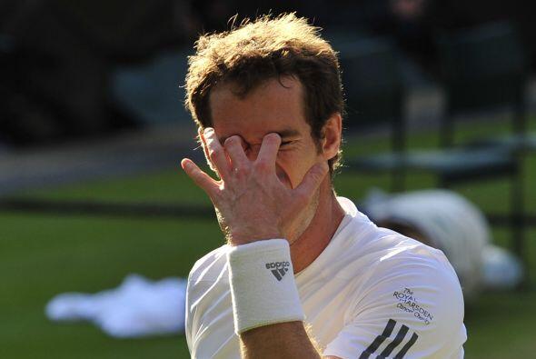 Por momentos Murray caía en la desesperación.