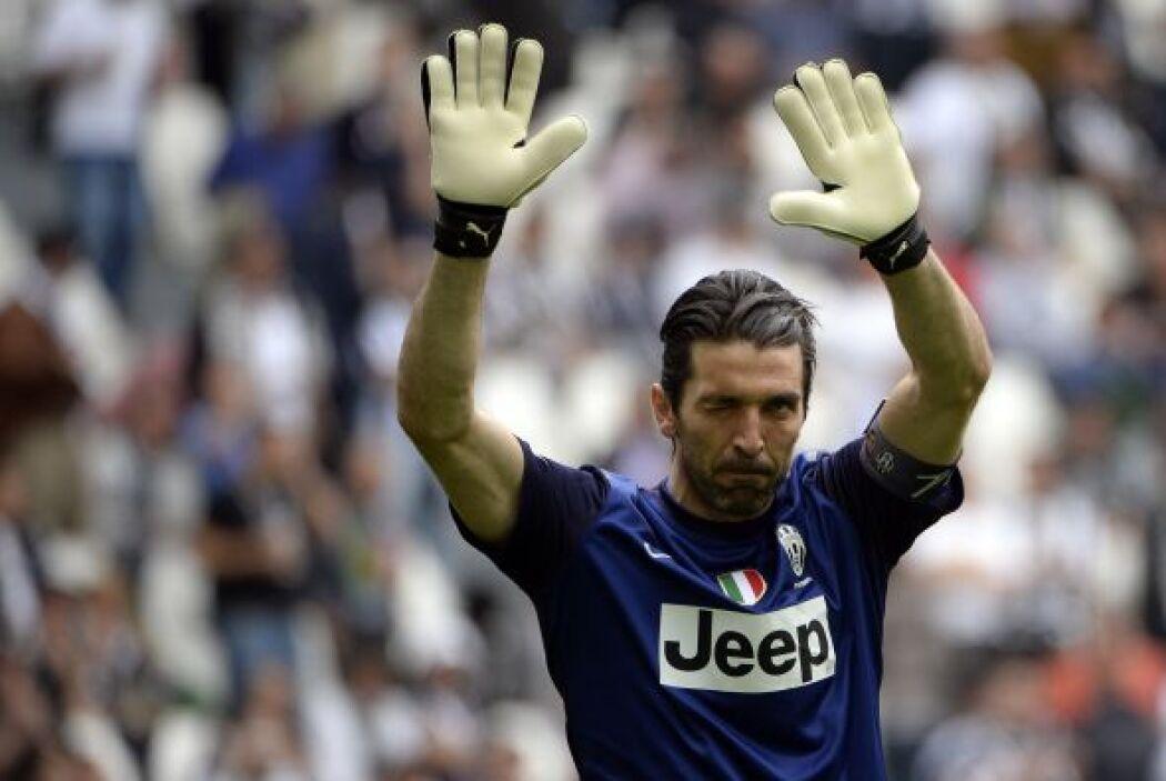 El italiano Gianluigi Buffon es el guardián de la portería.