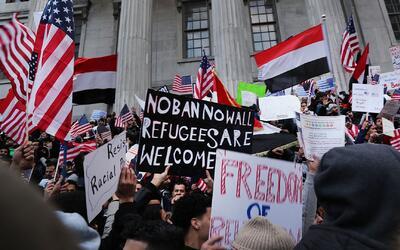 """Líder hispanomusumal dice que Trump es """"racista"""" y veto migratorio es un..."""
