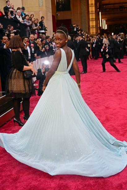 Lupita Nyong'o apostó por un vestido Prada. Gracias a su elecci&o...
