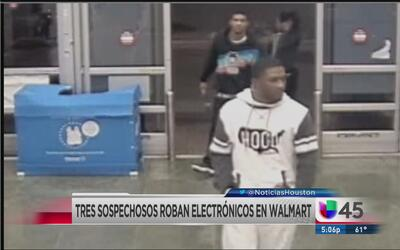 Captan en video a grupo de asaltantes en Walmart de Baytown