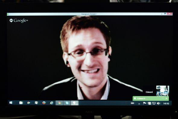 12 de julio: Snowden denuncia en una carta enviada a Human Rights Watch...