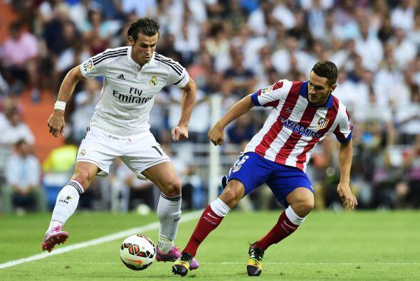 Gareth Bale intentó por ambos costados pero no tuvo un juego sencillo po...