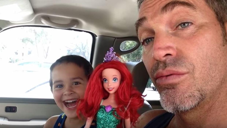Viral: Papá reacciona a regalo que pidió su hijo