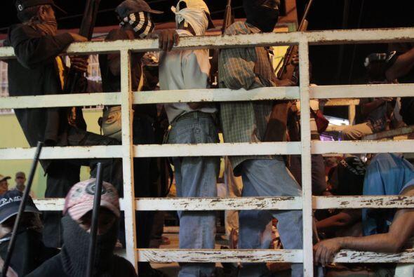 Según las autoridades, los grupos de autodefensa no están facultados par...