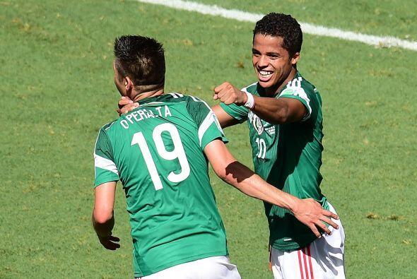 """Ya sea compartiendo ofensiva con Giovani, Raúl o """"Chicharito"""" el..."""
