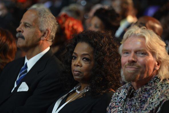 El empresario británico Richard Branson y la presentadora de televisión...
