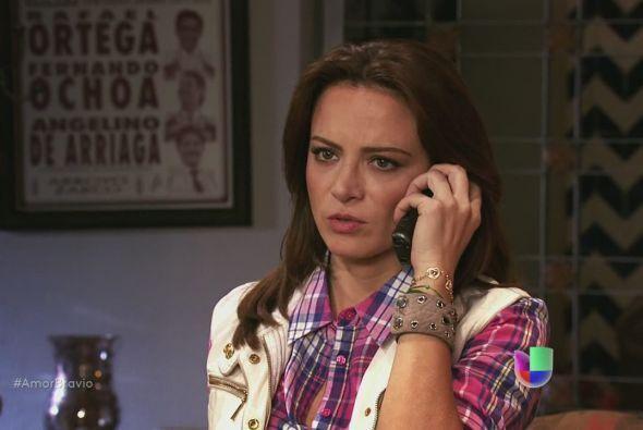 Camila le dice a su madre que echó a Dionisio del rancho, Agustina se in...