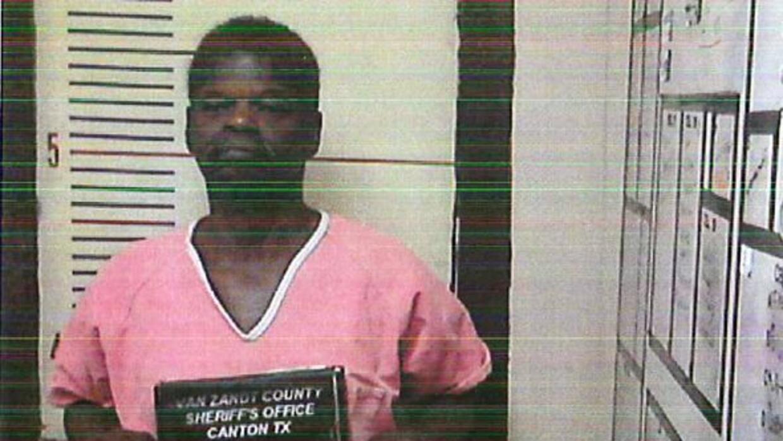 Enfrenta cargos por homicidio capital y un Juez le fijó una fianza por 1...