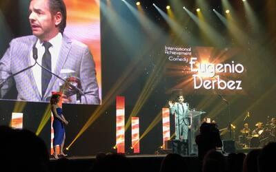 Eugenio Derbez fue galardonado en CinemaCon como Mejor Actor Internacion...