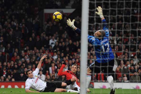 Este gol de Bervatov es uno de los tres que Manchester United le hizo al...