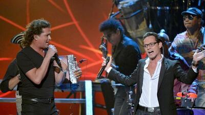 Carlos Vives y Marc Anthony ganaron como Mejor Canción Tropical por el t...