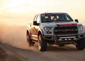 Autos Homepage Raptor-Action-53-C1.jpg