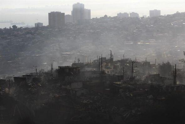 El ministro del Interior chileno, Rodrigo Peñailillo, dijo que hay vario...