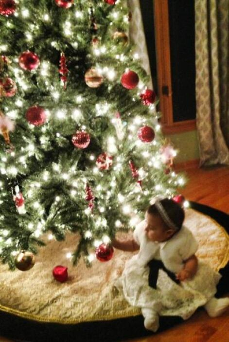 Itzel Verónica Salas envió una foto de la primera navidad de la bebe Ell...