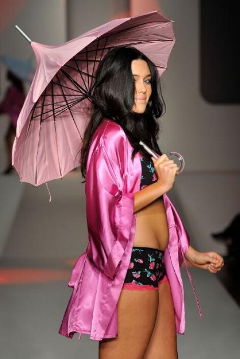 Para darle un 'plus' a tu 'outfit', puede combinar las piezas de lencerí...