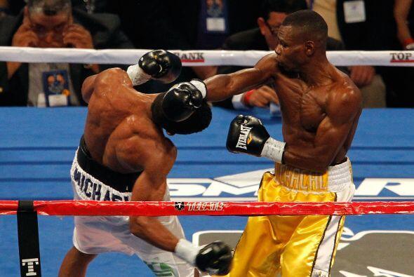 El cubano Guillermo Rigondeaux (amarillo) venció por decisi&oacut...